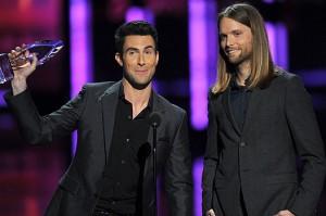 "Maroon 5 - лучшая группа года на ""People's Choice Awards 2012"""
