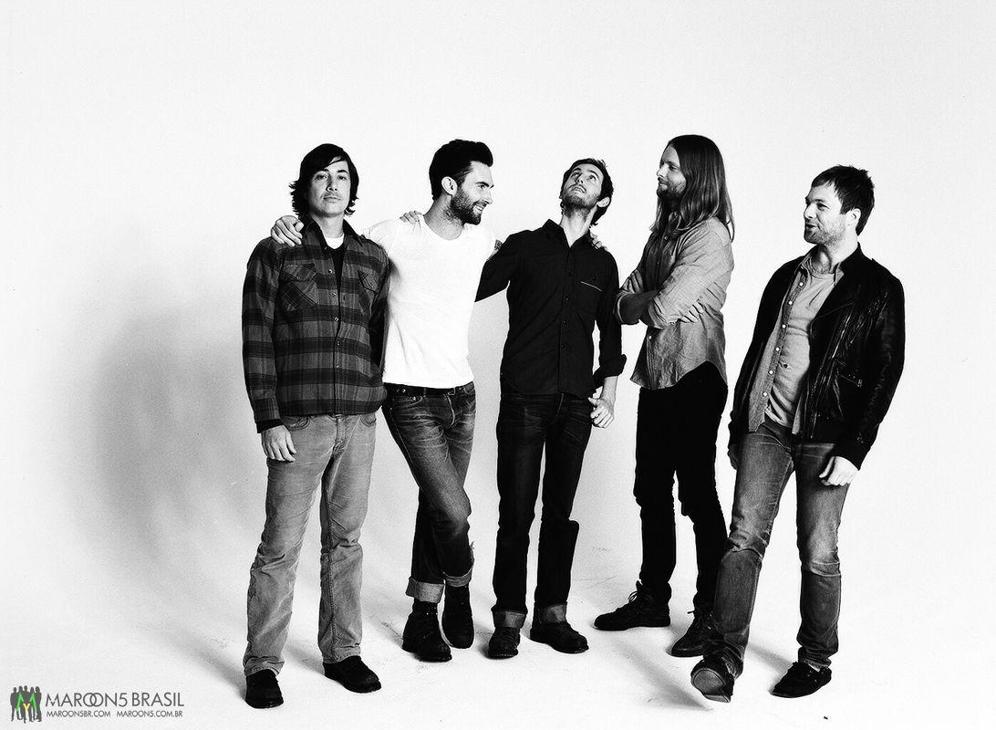 Черно-белая фотосессия группы